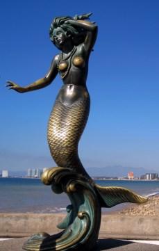 Nereida mermaid sculpture
