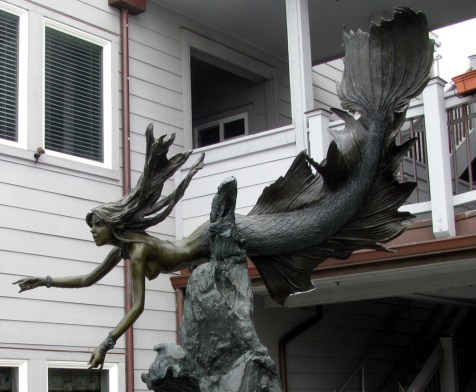 Mermaid statue in Cayucos