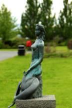 Mermaid Statue Hafmeyjan byNína Sæmundsson