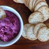 Baked beetroot and cottage cheese dip