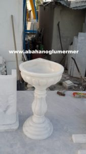 afyon beyaz mermer lavabo em-059 ölçüleri : 50x42x85 cm fiyatı : 750 tl