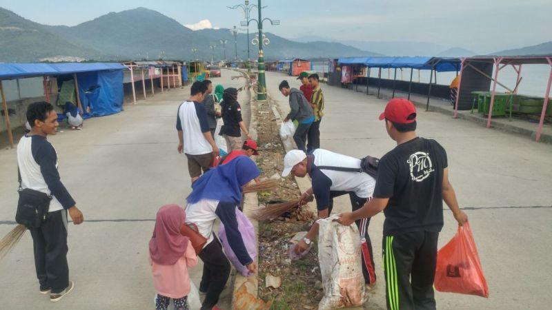 Komunitas EH PalopoAi?? Peduli Bersih Lingkungan