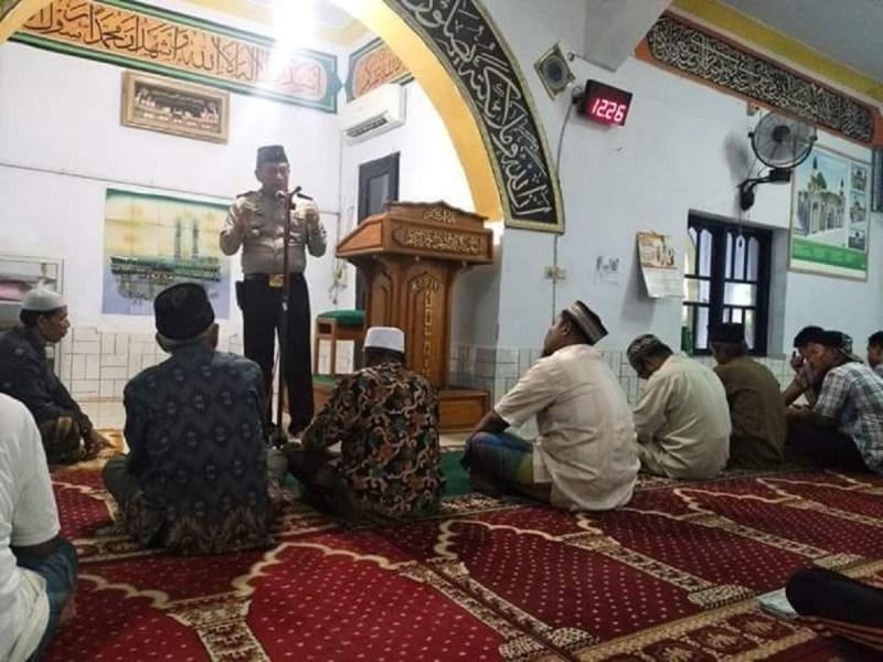 Waka Polres Pinrang Ceramah di Masjid