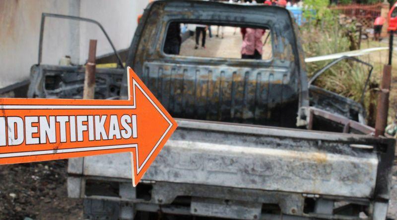 Pindahkan BBM dari Tangki Mobil ke Jerigen. Satu Unit Mobil Suzuki Carry Terbakar