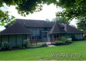 2210 HAMPTON COURT, LIMA, Ohio 45805, 4 Bedrooms Bedrooms, 10 Rooms Rooms,4 BathroomsBathrooms,Residential,For Sale,HAMPTON COURT,113407