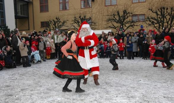 Take a short break to travel and celebrate Merry Christmas in Norway