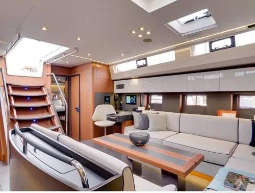 carré oceanis yacht 62