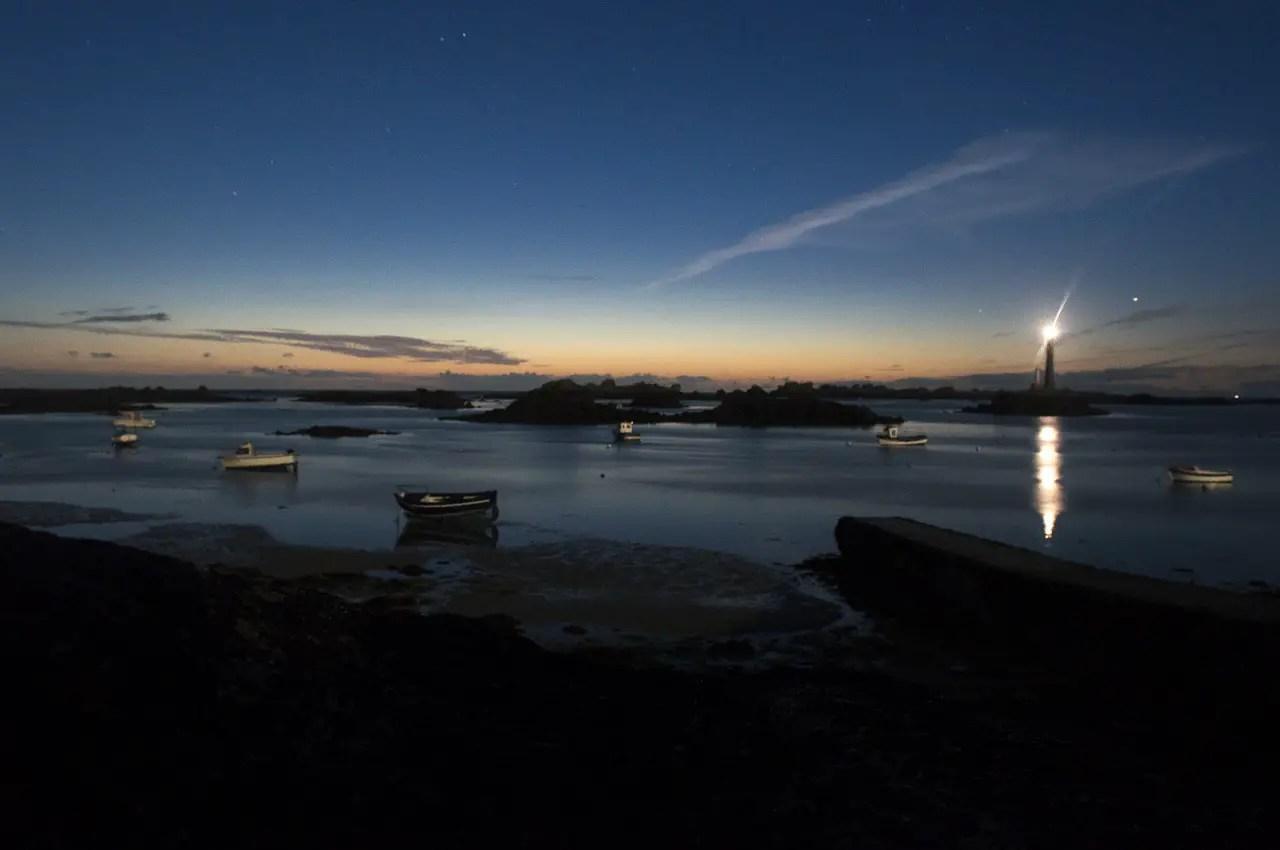 naviguer de nuit mers bateaux