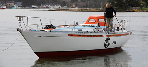 Mise à l'eau du Rustler 36 PRB - Skipper : Philippe Péché - Golden Globe Race 2018 - La Trinité sur Mer le 16 février 2018