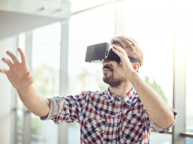 How-Virtual-Reality-is-Helping-Those-With-Autism-1024x768