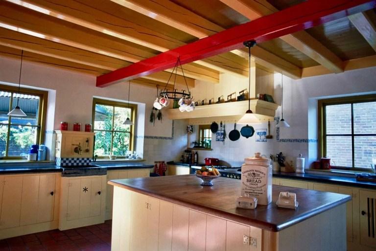 Jaren 30 keuken Stolwijk keukeneiland groot