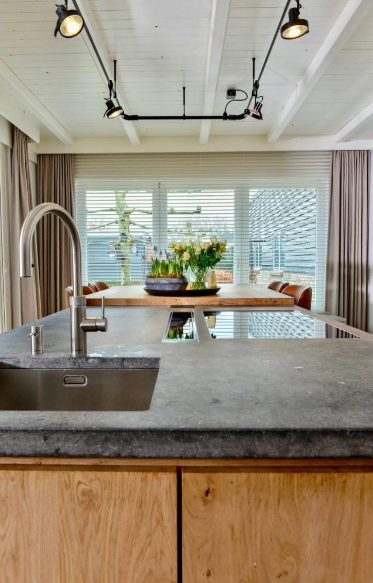 Landelijke keuken Oudenbosch raam gordijnen