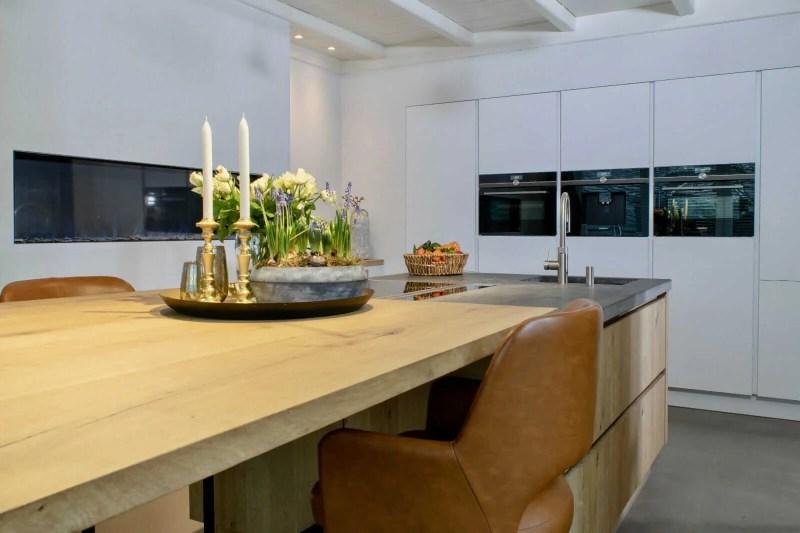 Landelijke keuken Oudenbosch tafel eiken