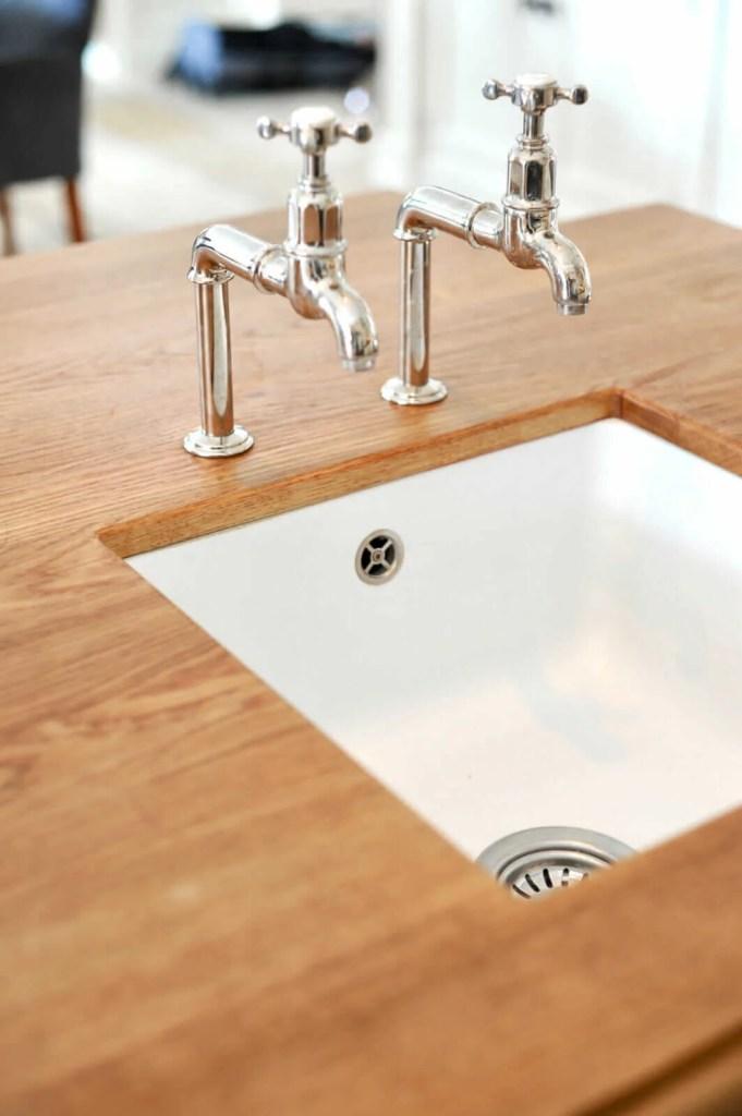 Witte keuken Breukelen aanrechtblad eiken