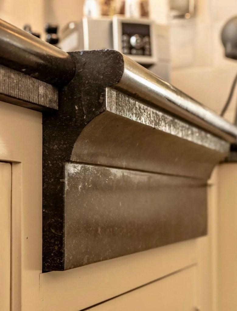 Houten keuken Hilvarenbeek hardsteen spoelbak