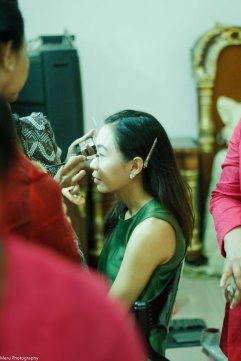 Bride's getting make up done