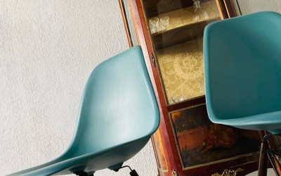 Chaise Eames océan