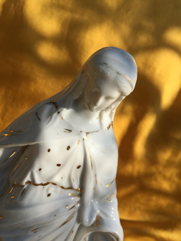 Statuette en porcelaine