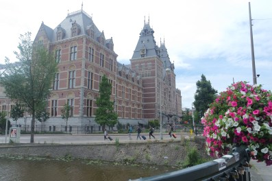 The Rijksmuseum from behind