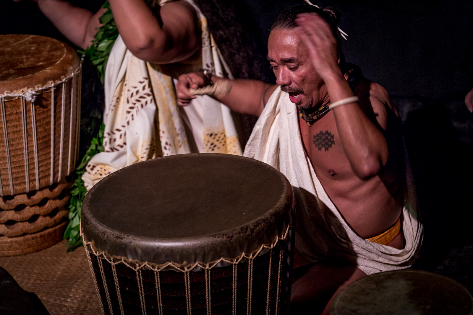 Keali'i Reichel and members of his halau perform chant and hula