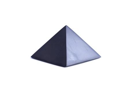 šungitová pyramída 5x5
