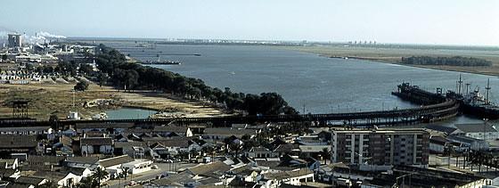 Vista del Muelle del Tinto en 1971