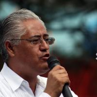 Alejandro Vera obtiene suspensión para evitar su detención