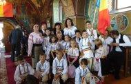 """Sărbătoare de suflet românesc, la Ozun. """"Costumul popular  îmi dă sentimentul special că aparțin acestei nații""""- Sebastian, 11 ani"""