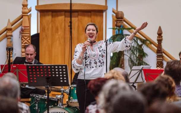 """"""" Sentimental Journey"""" susținut de Monica Opra și Orchesta Castelanii, """"o sărbătoare a vieții, a iubirii și a puterii de a învinge!"""""""