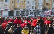 UNIREA PRINCIPATELOR ROMÂNE a fost sărbătorită, la Sfântu Gheorghe, cu paradă militară și două dintre cele mai vechi obiceiuri din Moldova și Țara Românească:  Dansul Ursului și Călușul