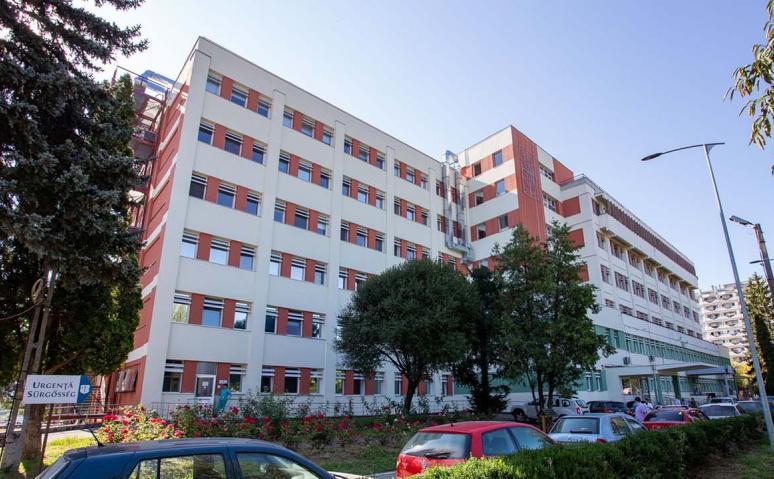 Şapte persoane diagnosticate cu COVID-19 după ce au fost vaccinate cu prima doză, internate la Spitalul Judeţean