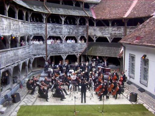 """Primul recital din Stagiunea estivală în aer liber la """"Bastionul Artiștilor"""" din Brașov"""