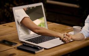 Rogojinaru: Firmele vor interacţiona cu statul doar online, iar afacerile care nu fac faţă digitalizării vor dispărea