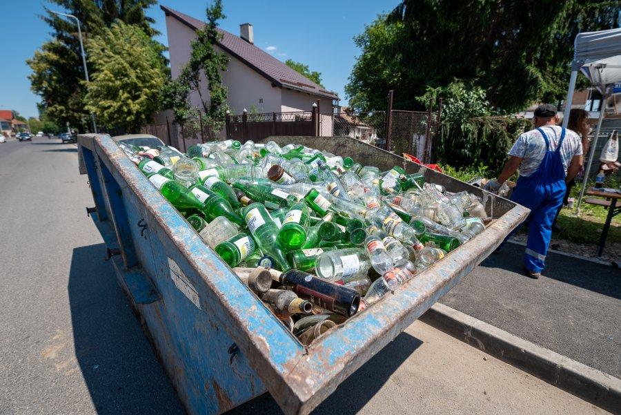 Cantitatea de sticlă colectată în judeţ, mai mare cu 100 de tone faţă de anul trecut