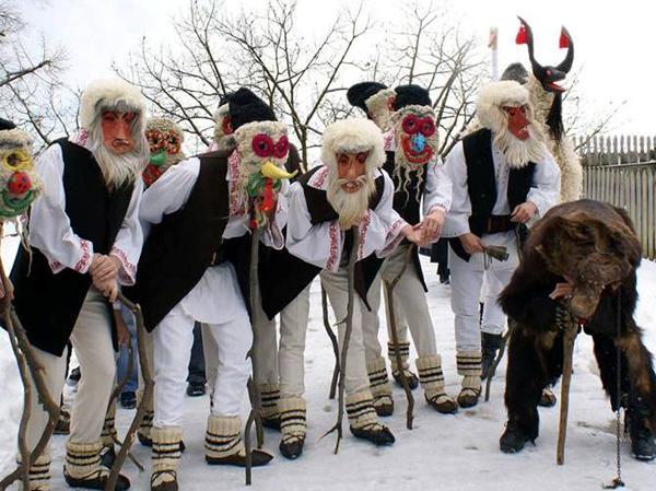 Tradiţii de Anul Nou şi de Sf. Vasile