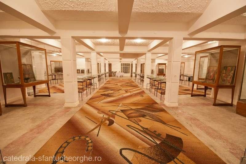 Icoane şi cărţi din patrimoniul Muzeului Spiritualităţii Româneşti, restaurate printr-un proiect susţinut de Guvern