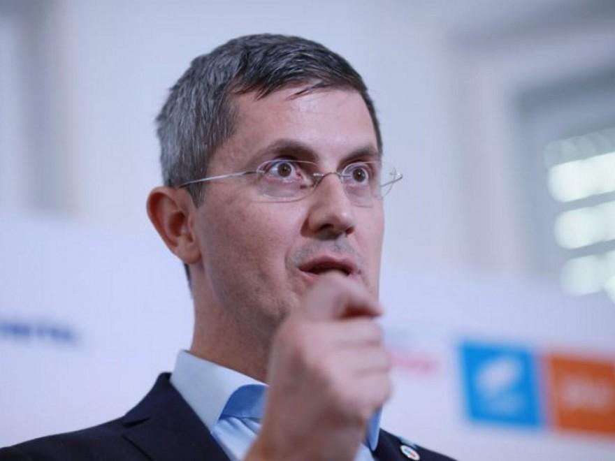 Dan Barna: Sunt instituţii care s-au adăugat pentru sinecuri, fiind ventuze bugetare