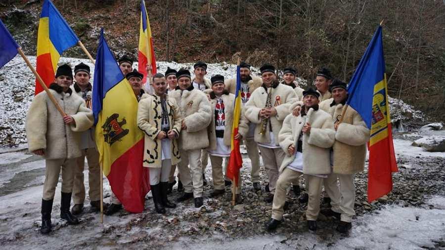 """ARTIȘTI COVĂSNENI: CORUL BĂRBĂTESC """"VOINEȘTENII"""" DIN COVASNA"""