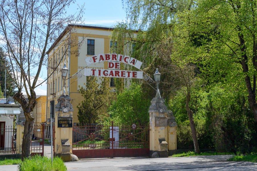 Fabrica de Ţigarete din Sfântu Gheorghe, achiziţionată de autorităţile locale, achitată pe jumătate