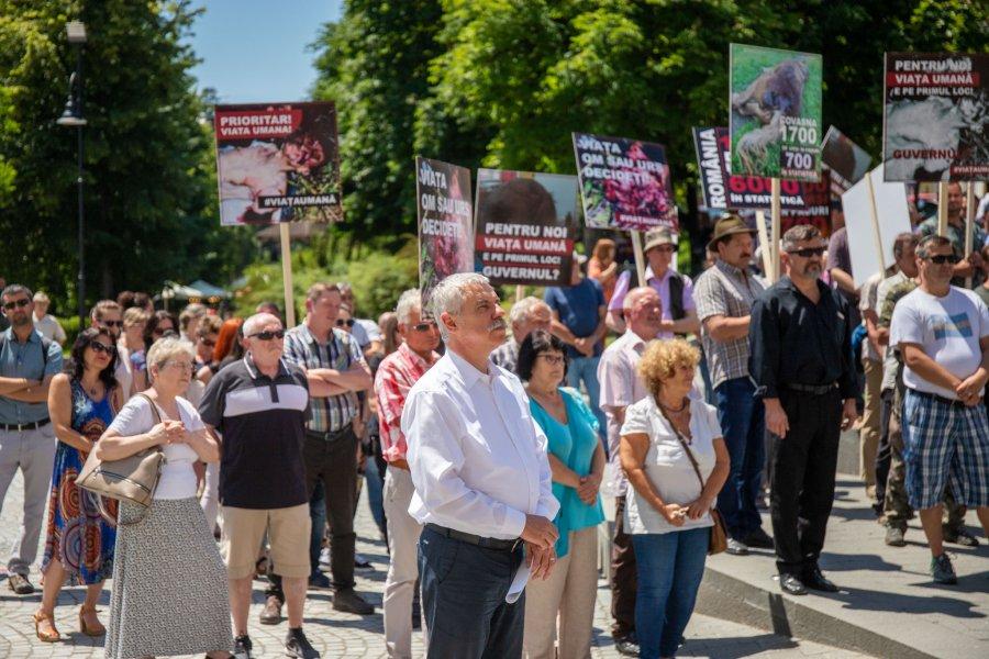 Covasna: Mitinguri în mai multe localităţi din judeţ pentru stoparea atacurilor şi pagubelor provocate de urşi