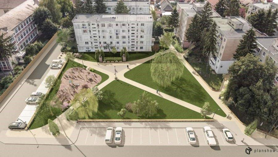 Parcul din cartierul Ciucului se transformă într-un spaţiu comunitar modern cu un loc de joacă pentru copii