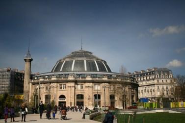 Paris - Les Halles - jardin Ouest - vue sur la Bourse du Commerce - Photo MS Bock-Digne pour Mes Ailleurs - 10 avril 2016
