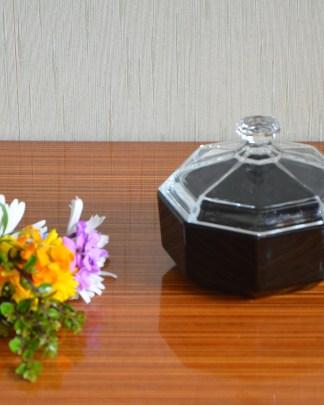 Sucrier octogonal en verre noir, couvercle transparent, Arcoroc.