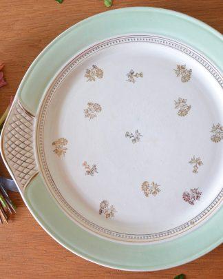 Plat à tarte Porcelaine Opaque 8534 U SA. Couleur vert amande, motif de marguerite dorée et quadrillage doré.