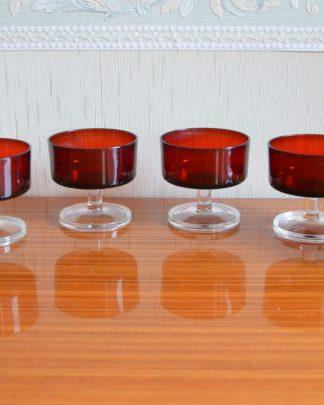 Lot de 6 coupes en verre Luminarc bordeaux, sur pied, offert par BP