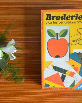 Jeu de broderies, 8 cartes perforées à broder, Ravensburger, 1981, made in western germany