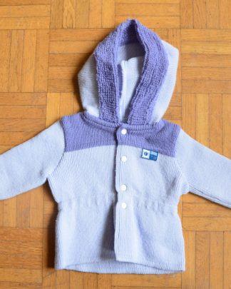 Gilet violet pour bébé, made in France, taille 1 (1 mois). Marque Clayeux. Fermeture avec 4 boutons pression