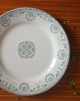 Assiette en faïence d'art revêtement céramique. Manufacture Boulanger & Cie, terre de fer, Choisy le roi, Bordeau
