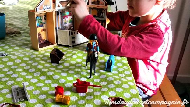 coffret-playmobil-equitation-nesquick