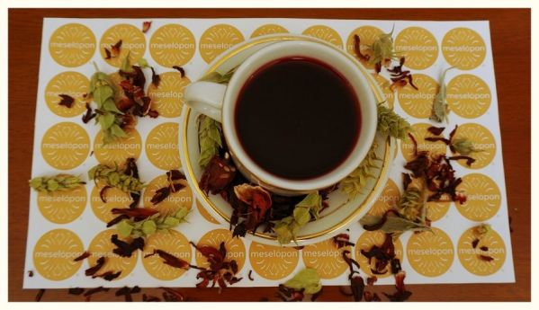 Herbal Loose Leaf Tea Blend Decaf Beverage With Mountain Tea Sideritis Ironwort & Hibiscus Flowers Blossoms, Zoom
